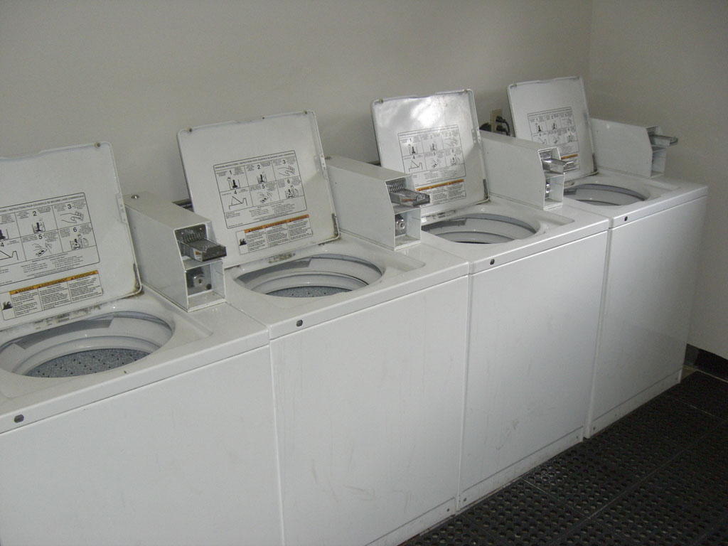 Eagle Point Apartments - Laundry